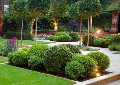 Création jardin à la française revisité réalisé par Terrasse et jardin de Paris