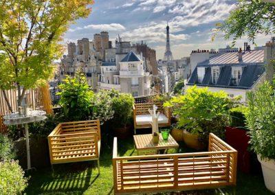 Création et aménagment d'un toit terrasse vue sur tour Eiffel