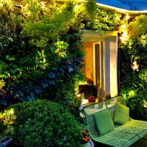 Réalisation d'un mur végétal extérieur d'une façade d'habitation